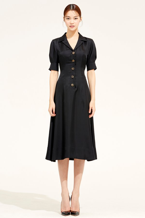 BLACK OPEN COLLAR FLARE SILK DRESS