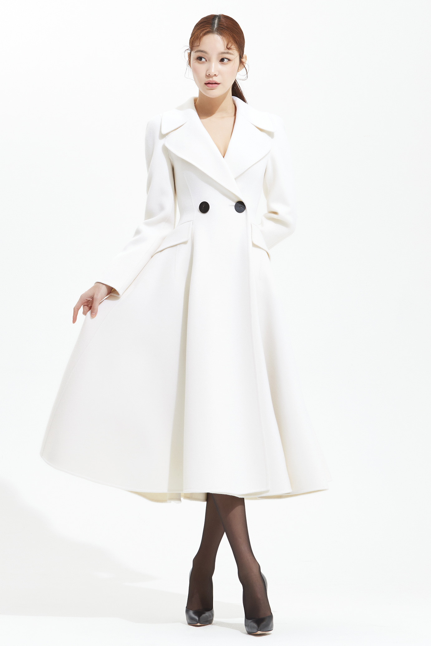 WIDE COLLAR FLARE COAT