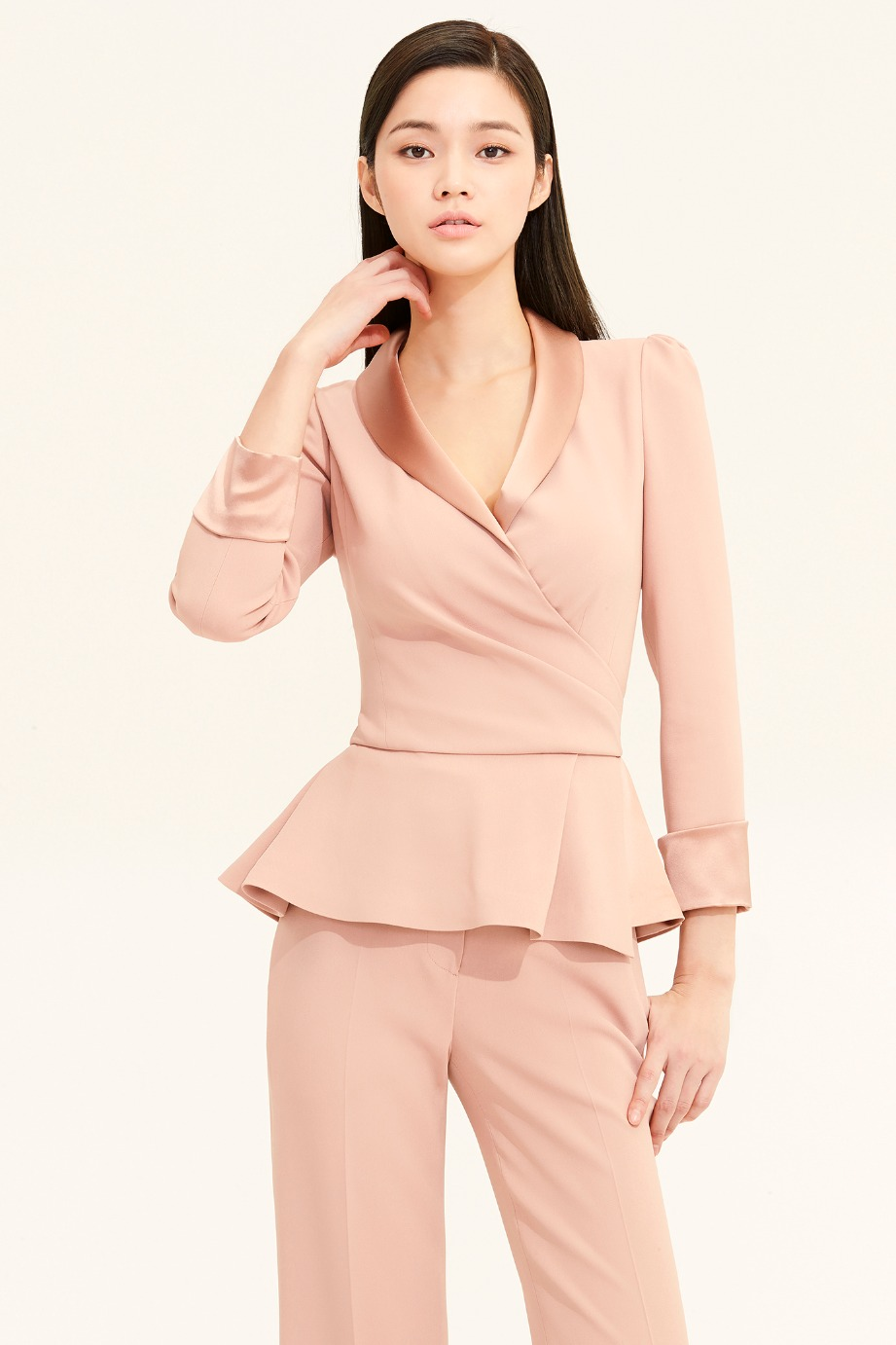 SATIN SHAWL COLLAR FLARE CREPE TOP