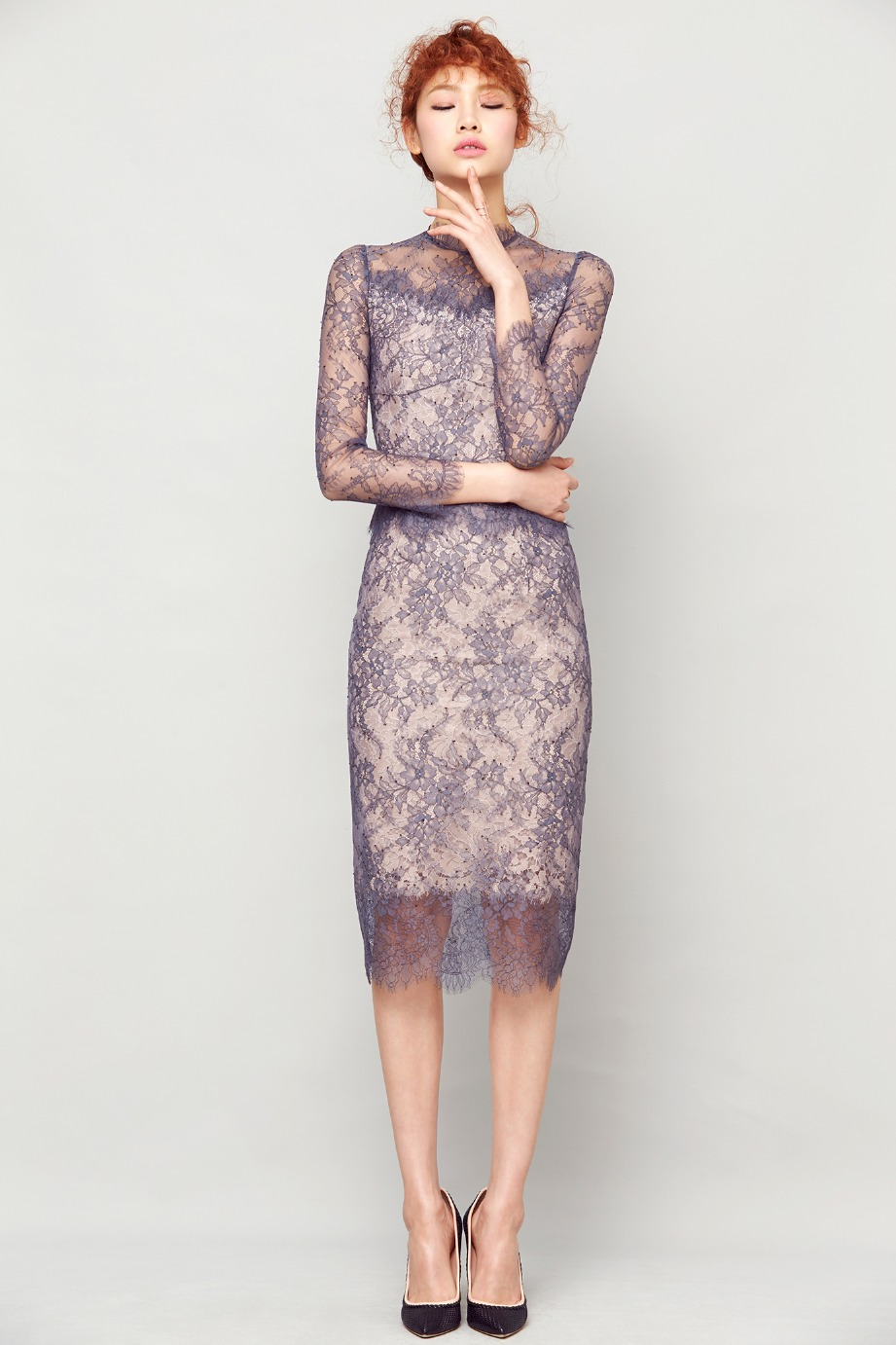 TWO-TONE LACE STAND COLLAR DRESS
