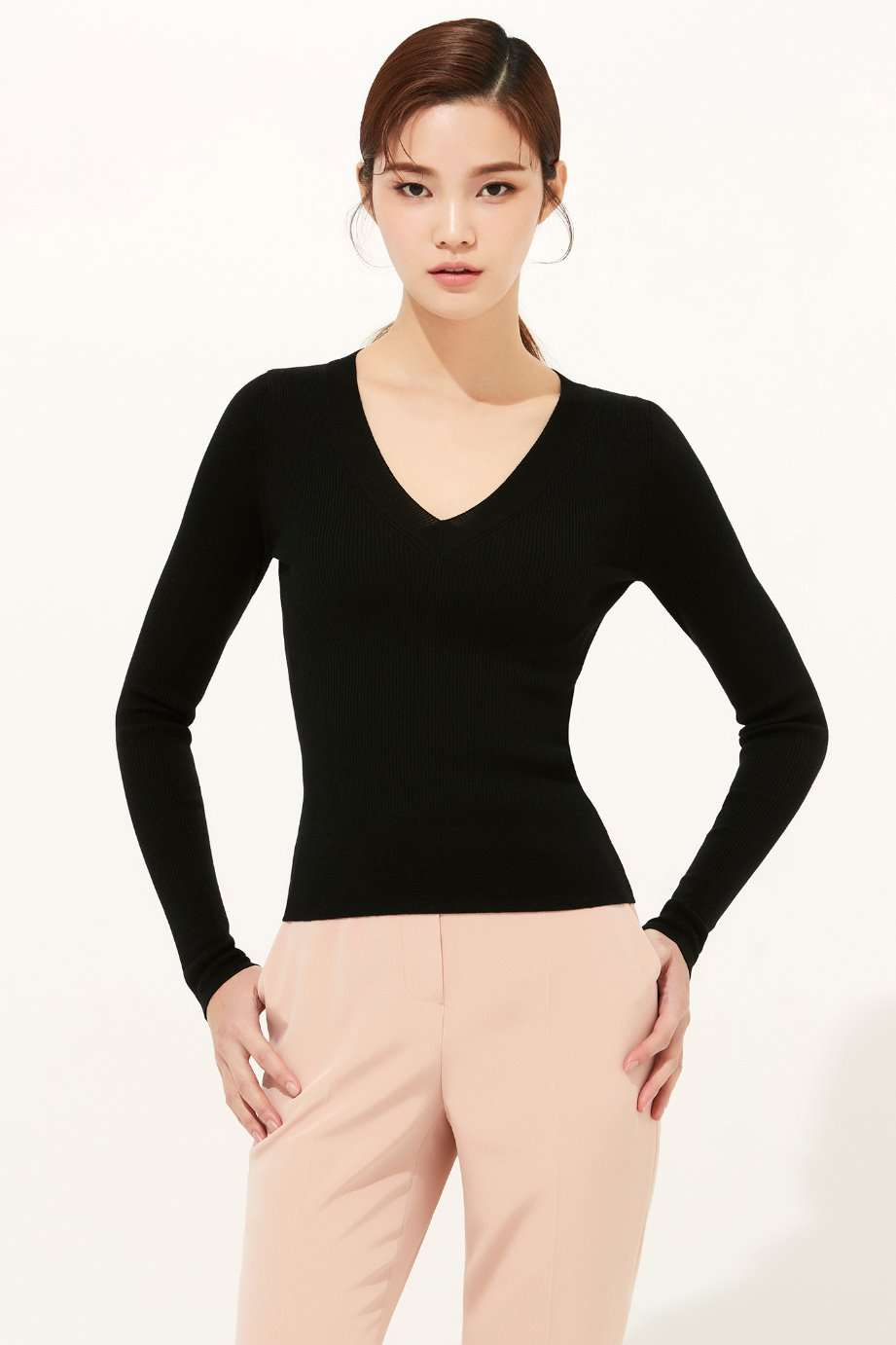 SILK WOOL V NECKLINE SWEATER